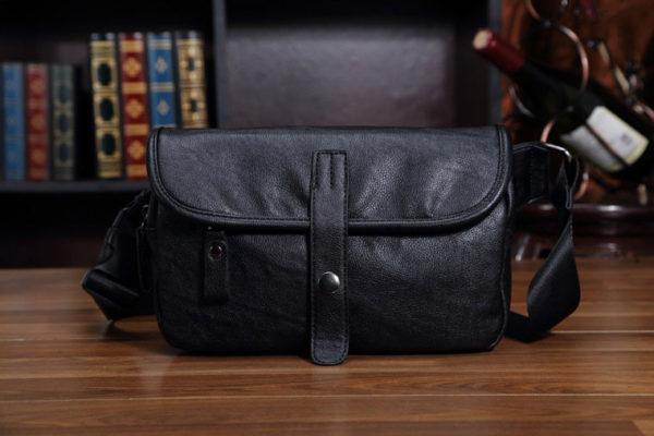 กระเป๋าคาดอก สะพายข้าง หนัง สีดำ PU
