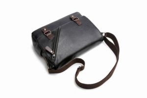 กระเป๋าสะพายข้าง หนัง สีดำ PU